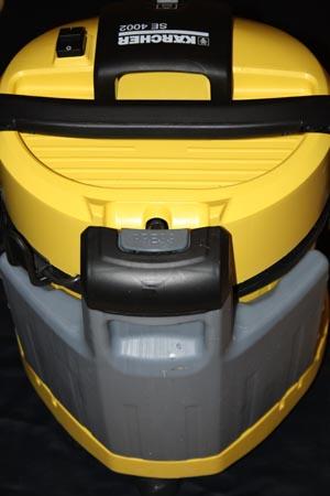 Karcher-SE-4002 вид сзади где бак для чистой воды